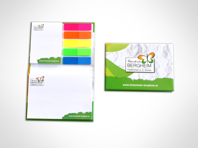 Fachschule Bergheim Hard-Cover Booklet mit Post its